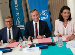 Signature tripartite Région/CCI/Business France